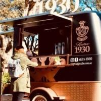 La Sidra premium de Bodegas Cuvillier, 1930, presenta su nuevo Cider Truck